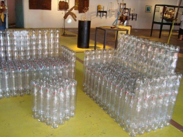 Диванчики из бутылок