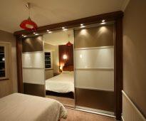 Дополнительное освещение для шкафа на всю стену