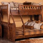 Двухъярусная кровать для дачного дома