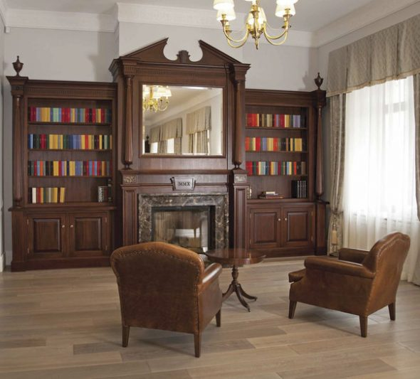 Книжный шкаф с зеркалом