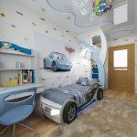 Красивая комната для мальчика с кроватью-машиной