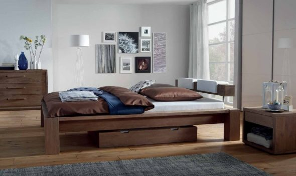 Кровать из дуба в стиле модерн