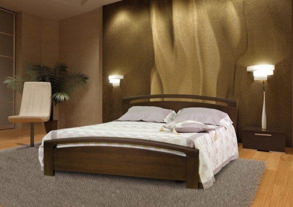 Кровать из темного дуба