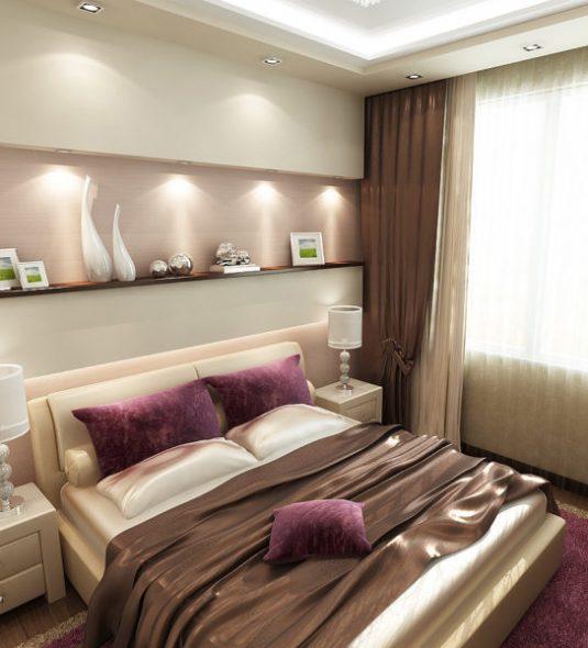 Кровать изголовьем к длинной стене в современной небольшой спальне