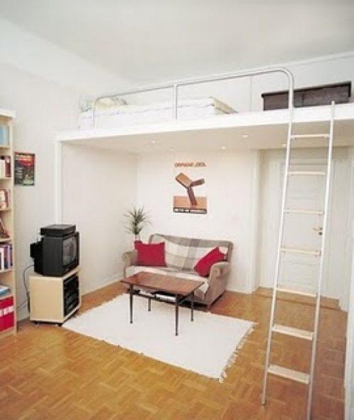 Кровать, расположенная под потолком