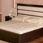 """Кровать с мягким изголовьем """"Тройная волна"""""""