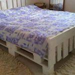 Кровать своими руками из поддонов легко и просто
