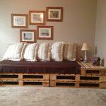 Кровать-трансформер для гостиной из поддонов
