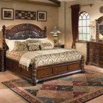 Кровати из дуба в винтажном стиле