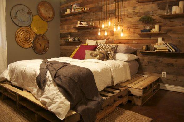 Лакированная двухспальная кровать