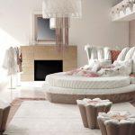Необычная дизайнерская мягкая спальня
