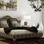 Необычная кровать с мягкой спинкой под старину