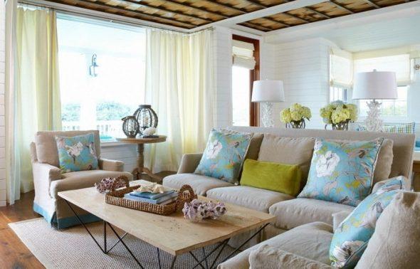 """Нежные бирюзовые подушки """"Цветы"""" для однотонного дивана"""