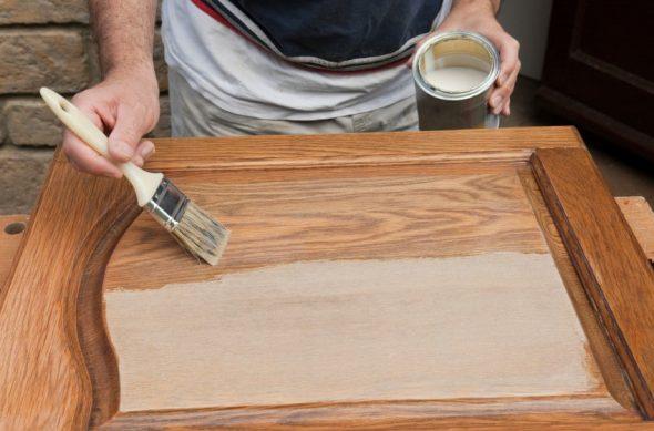 Окрашивание изделий из дерева