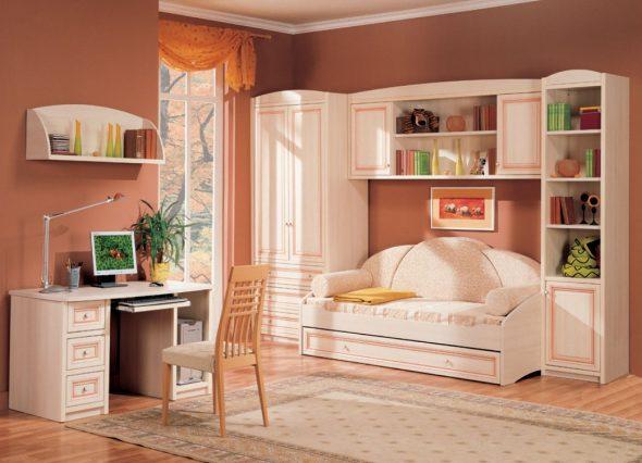 Оранжевая теплая и уютная комната для девочки