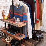 Оригинальный гардероб из пластиковых труб