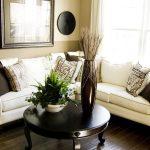 Подушки для дивана для создания нужного акцента