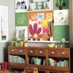 Полка для книг и игрушек в детскую