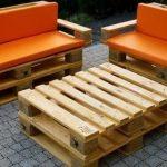 Оранжевые мягкие чехлы для мебели из поддонов