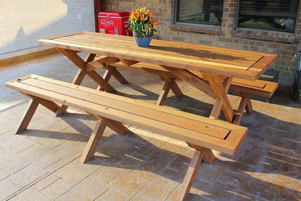 садовая мебель - стол и скамейки фото