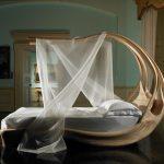 шикарная деревянная кровать Энигма