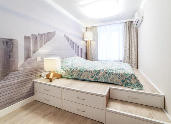 Шикарная большая кровать