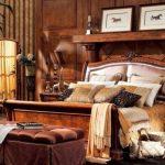 Шикарная старинная кровать из дерева