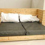 Складной диван-кровать из поддонов