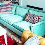 Старый диван после обивки