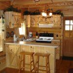 Уютная кухня для дачного домика