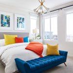 Яркие аксессуары для мягкой кровати