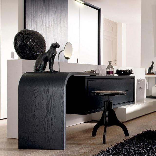 столик для макияжа черное дерево