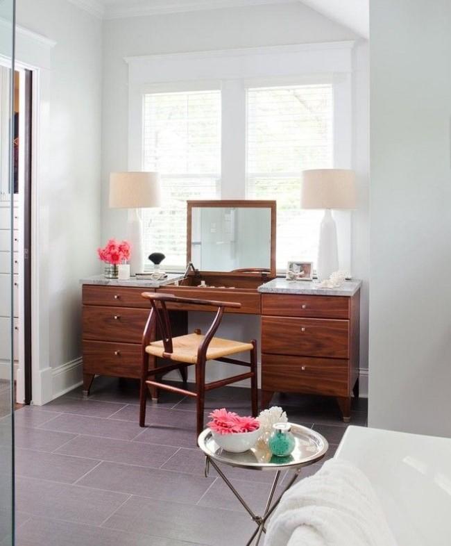 удобный туалетный столик