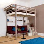 Большая и высокая кровать-чердак