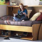 Деревянная кровать стол для девочки