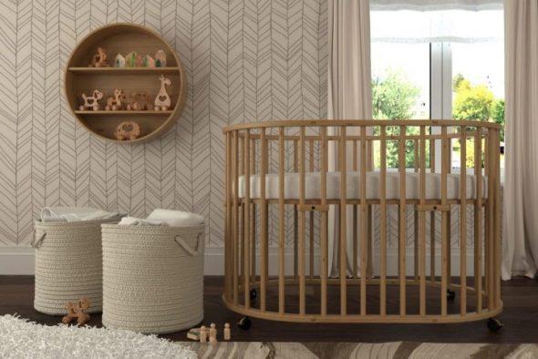 Деревянная кровать-трансформер