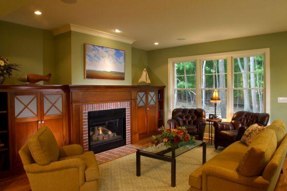 Деревянная мебель орехового цвета