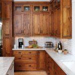Деревянная угловая кухня