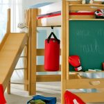Деревянный комплекс для игр с кроватью