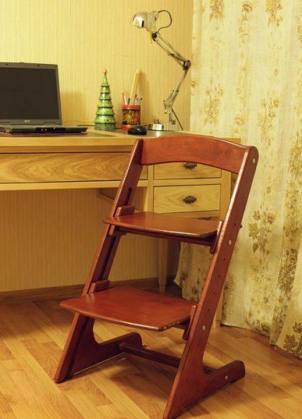 Деревянный растущий стул для ребенка