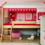 Детская кровать-чердак для девочек с игровой зоной