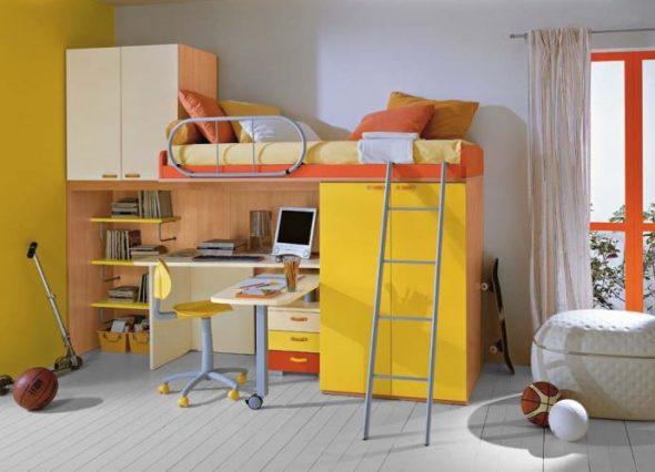 Детская кровать-чердак с приставной лестницей
