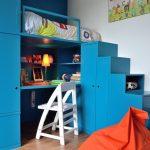 Детская кровать с рабочим местом со шкафом-ступенями