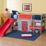 Детская кроватка для юного пожарника
