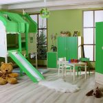 Детская зеленая комната с кроватью-домиком