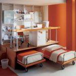 Дизайнерская детская спальня с выдвижными кроватями