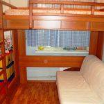 Двухспальная кровать-чердак и диванчик