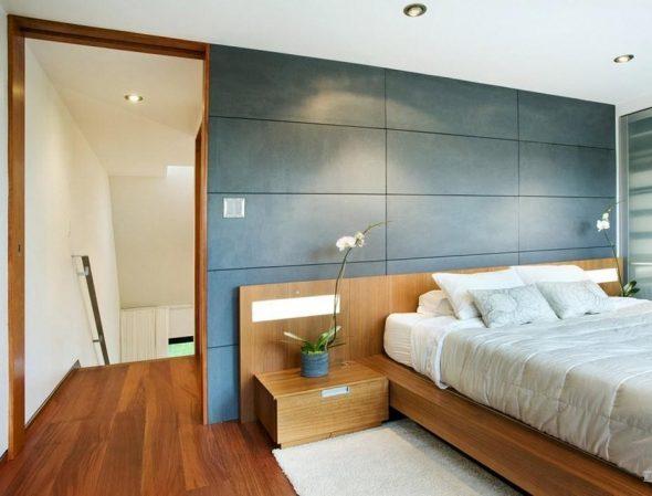Двухспальная кровать с прикроватными тумбами из ДСП