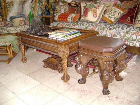 Жеревянная мебель с резьбой