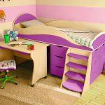 Фиолетовая кровать-чердак для ребенка старше 3 лет